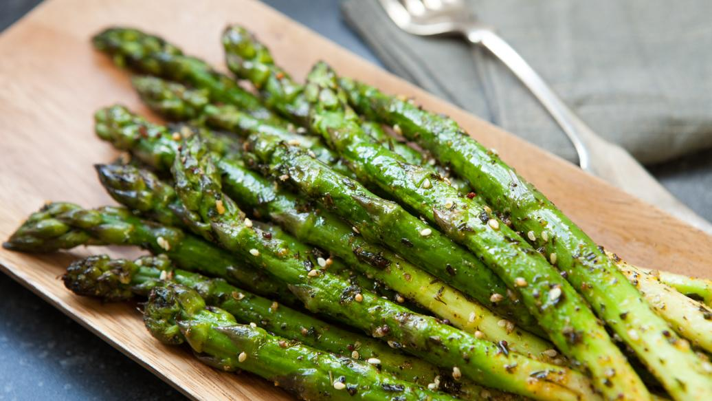 The asparagus genome sheds light on the origin and evolution of a young y chromosome