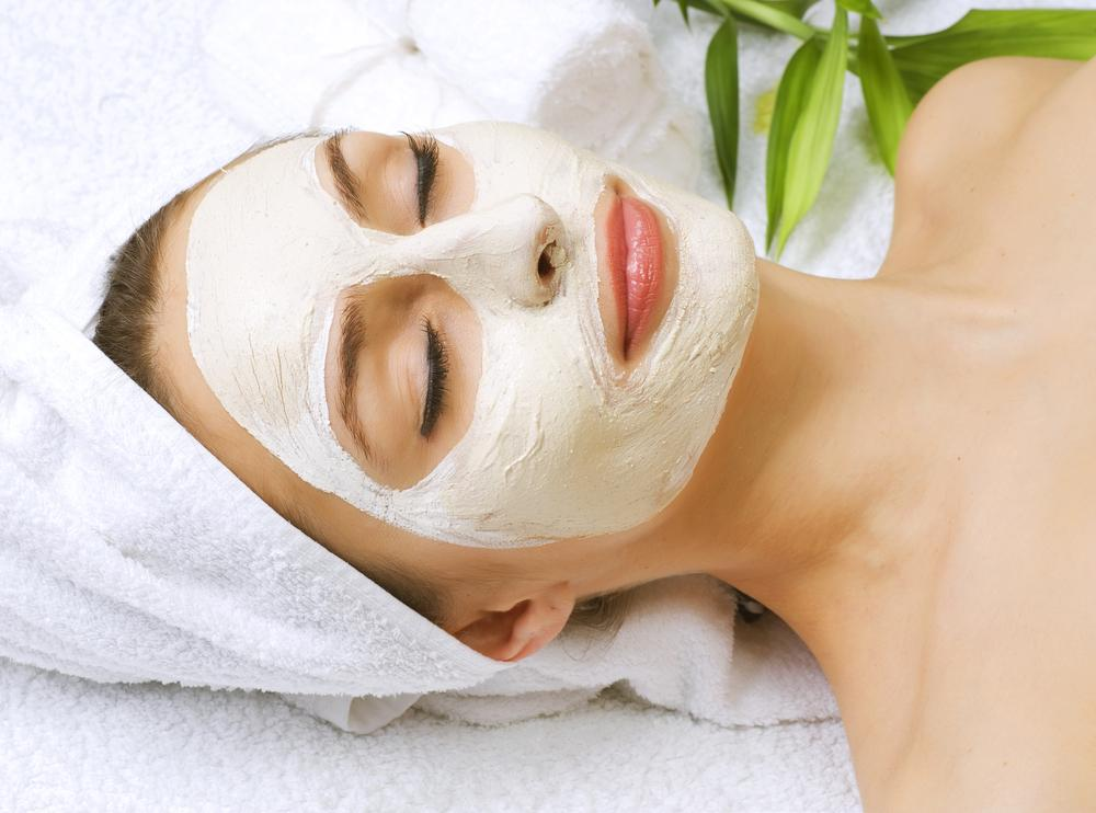 Mask facial with green