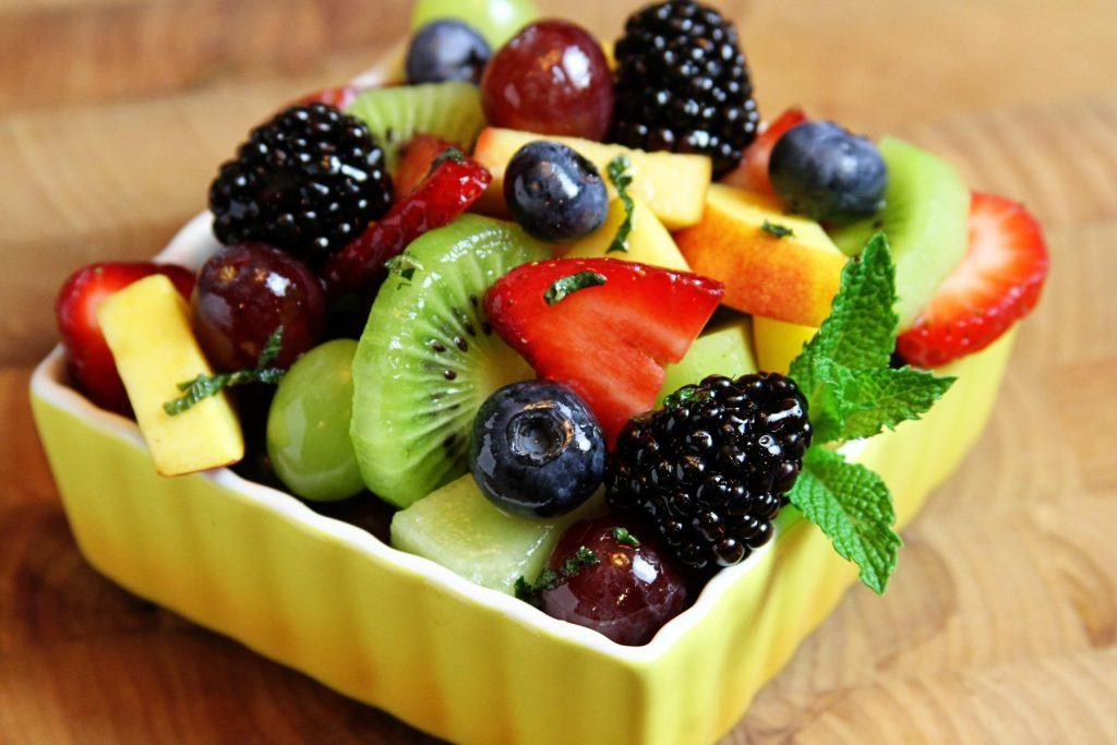 Feature-Image-low-sugar-fruits-by-green-blender