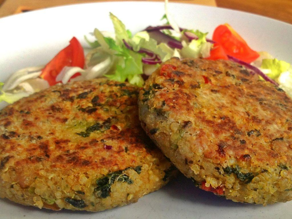Healthy quinoa and kale cakes detox foods for Cuisine quinoa