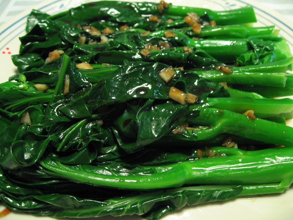how-do-we-avoid-the-discoloration-of-green-vegetables-when-cooking-them