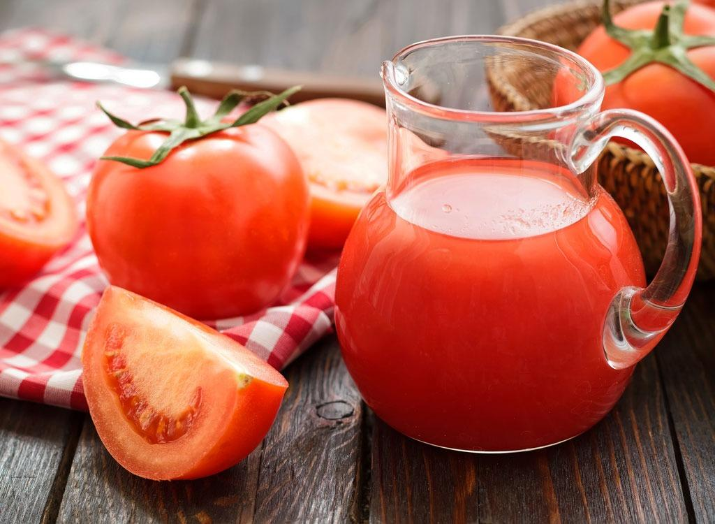 sports-drinks-tomato-juice