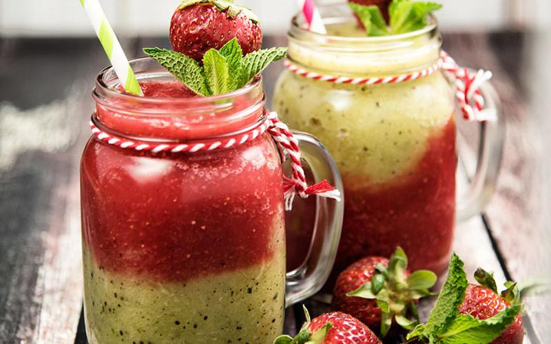 strawberry-kiwi-smoothie-main-800x500